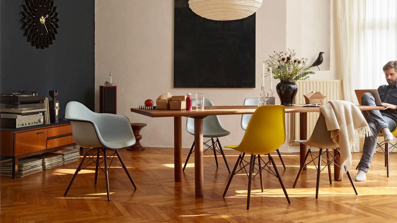 Vitra Eames Plastic Chair Eetkamerstoel Ploemen Interieur