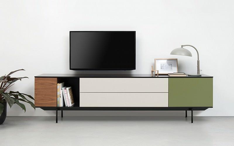 Pastoe landscape ploemen interieur for Modern tv meubel design
