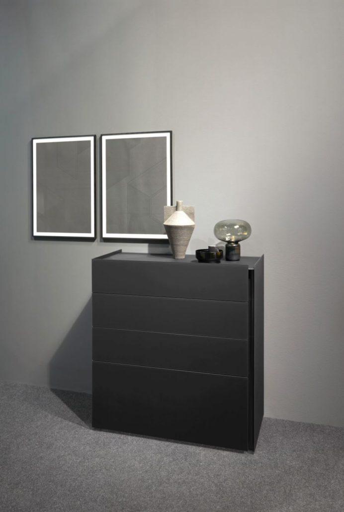 Interlübke dressoir Jorel matzwart gelakt glas