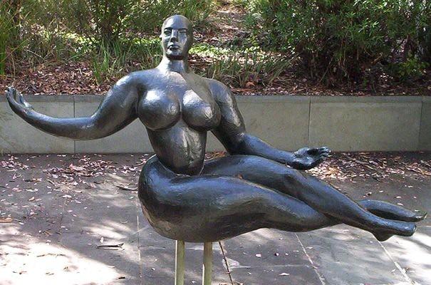 Floating Figure door Gaston Lachaise